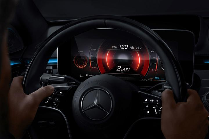 The cluster in sport mode